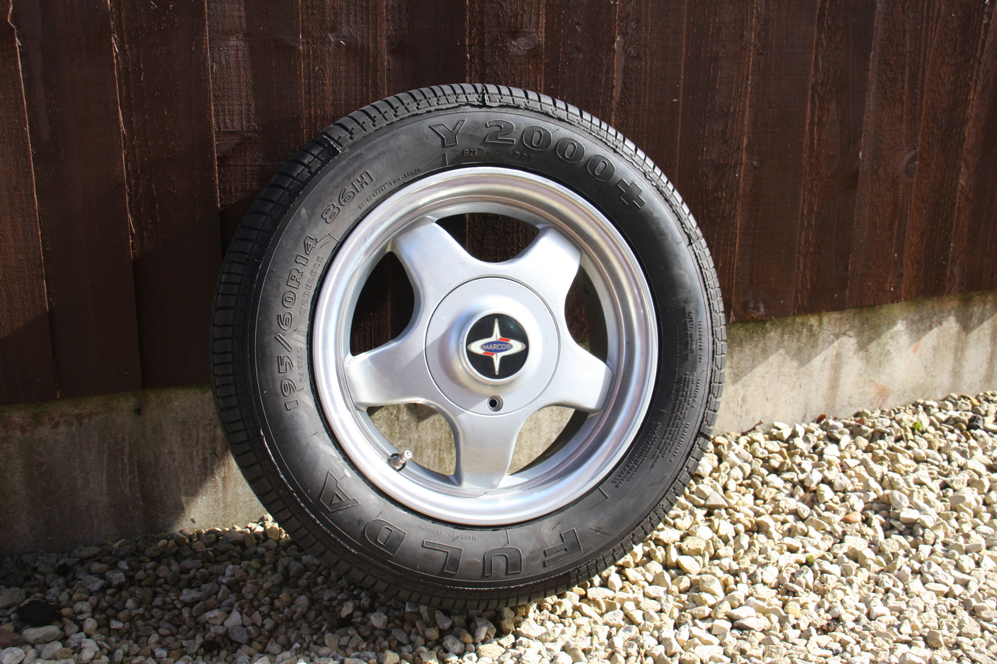 "Marcos 15"" Alloy Wheel & Tyres"