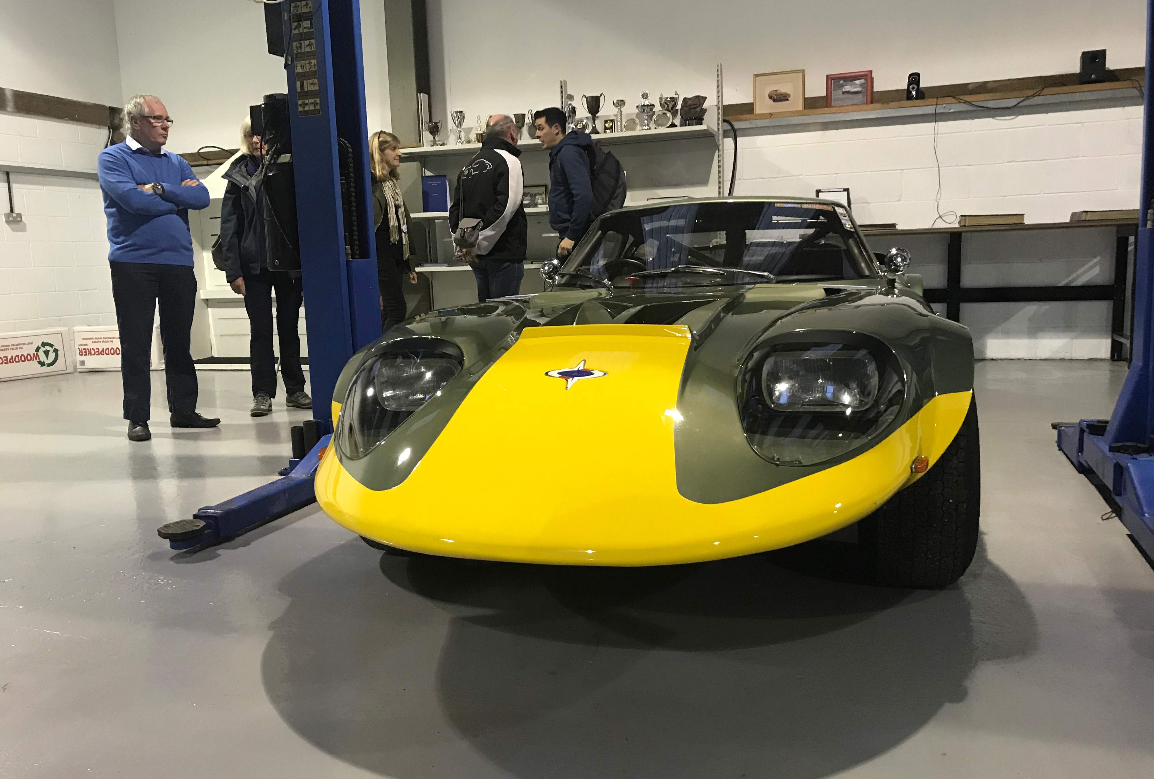 Marcos LM1800