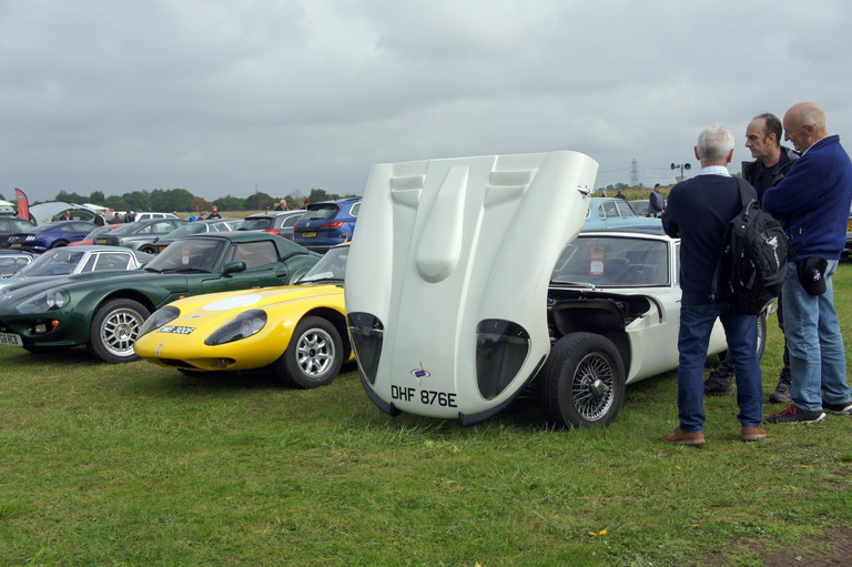 Members' cars at Castle Combe Autumn Classic 2019